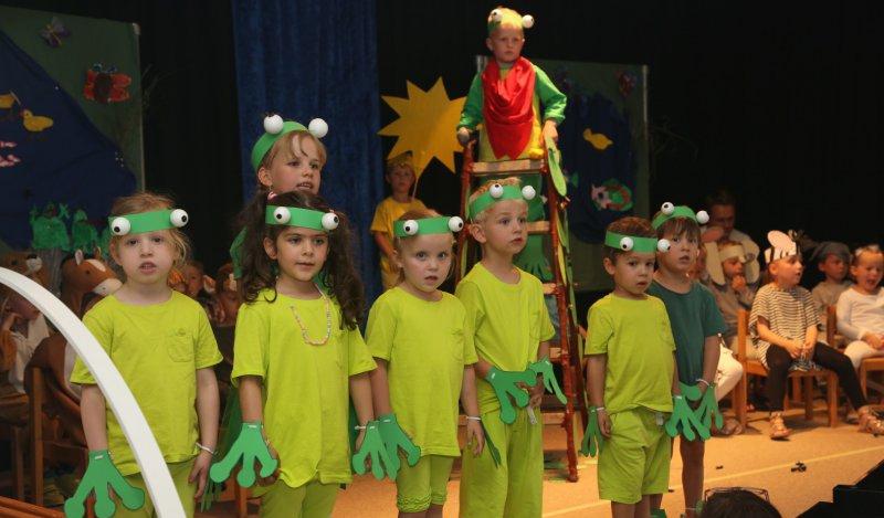 Kinder machen sommer fest im evangelischen kindergarten - Angebote kindergarten sommer ...